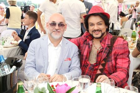 OnAir.ru - Юбилейные «Скачки Гран-при Радио Монте-Карло»: парад элегантности и шика