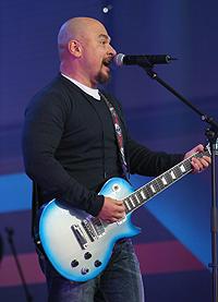 OnAir.ru - Трофимов не ожидал, что будет петь хором в тысячи голосов - Концерт звезд Шансона в Лужниках: Сделано с любовью!