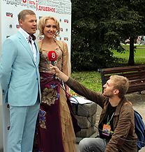 OnAir.ru - Роман Шахов дает телеинтервью - Концерт звезд Шансона в Лужниках: Сделано с любовью!