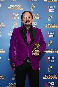 OnAir.ru - XVIII Церемония вручения народной музыкальной премии «Золотой Граммофон» только лучшие песни на сцене Кремля