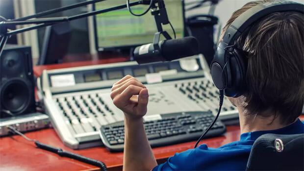 Программный директор радио «Jazz FM» Анна Рогачёва. Романтические мечты и суровые будни современной радиостанции - OnAir.ru