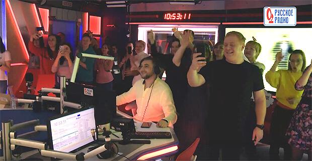 «Дискотека Авария» в прямом эфире разгромила студию «Русского Радио» - OnAir.ru