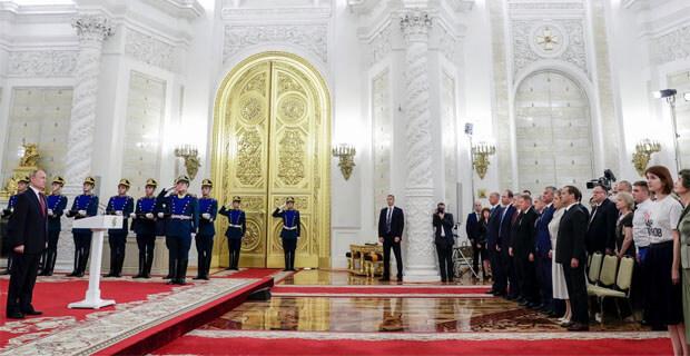 Журналистка Анна Луганская объяснила, зачем пришла на прием в Кремль в футболке «Я/мы Иван Голунов» - OnAir.ru